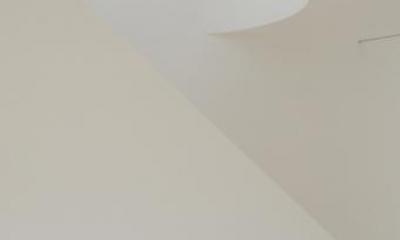 日野町のいえ (白いリビング階段)