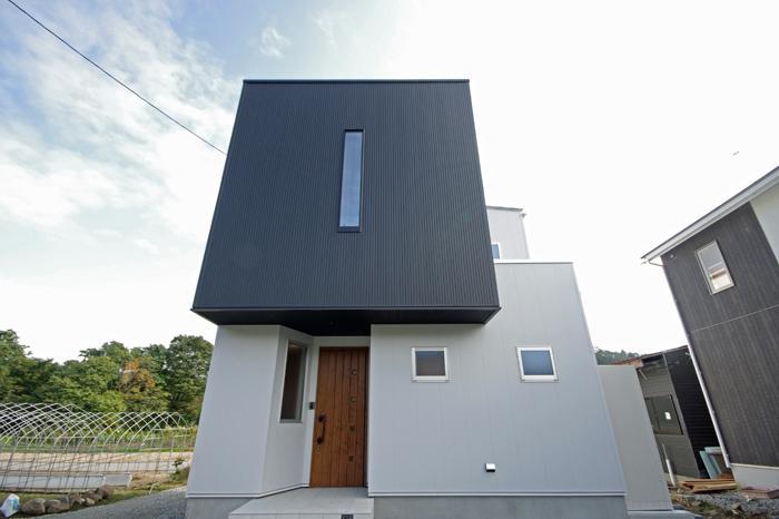 黒と白のBOX houseの部屋 白と黒のキューブ型住宅