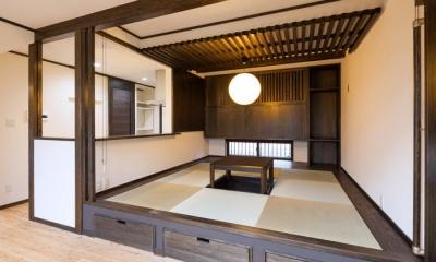 陶芸工房のある家 (掘り炬燵のある小上りの畳スペース)