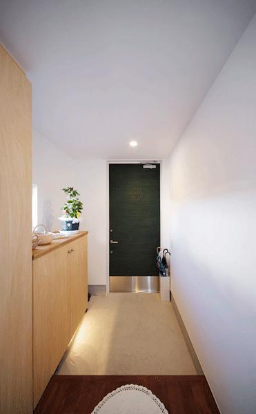 ビイム~ 外と内のつながり~の部屋 緑の玄関ドア