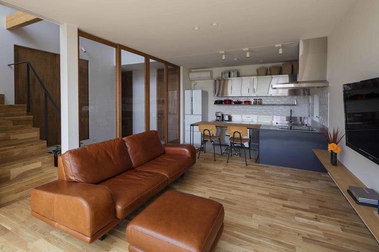 生駒の家の部屋 リビングダイニングキッチンを眺める