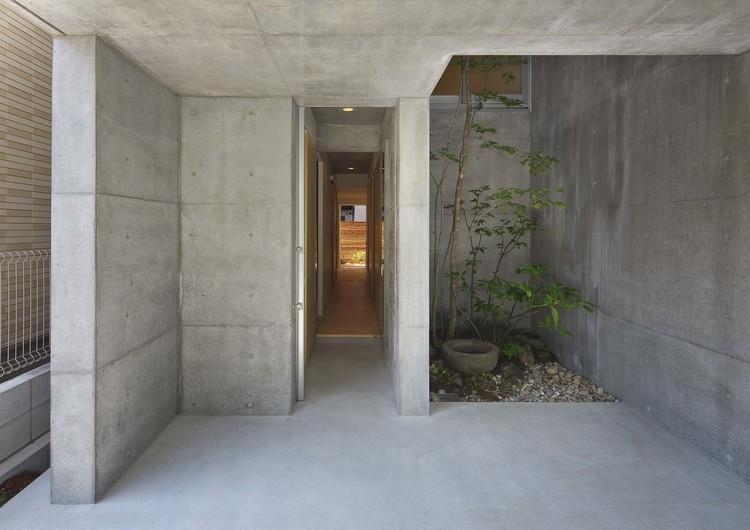 阿倍野の家 (玄関を開けると見える景色)