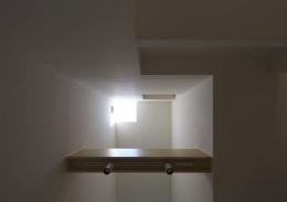 阿倍野の家 (吹き抜けを見上げる)