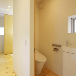 阿倍野の家 (引き戸のトイレ)