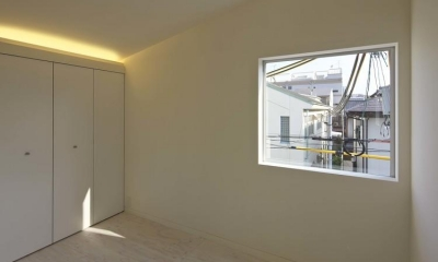 阿倍野の家 (光が差し込む寝室)