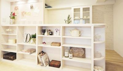 マンションだって自由に。自分スタイルで楽しみたい部屋と暮らし (造作収納でカフェや雑貨屋のようなキッチン)