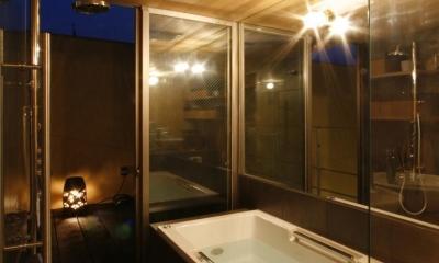 中国黄土の家 (夜の浴室)