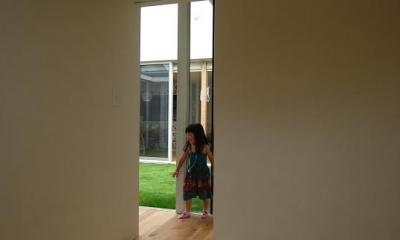 Matryoshka house #113 (明るい色の琉球畳を敷いた和室)