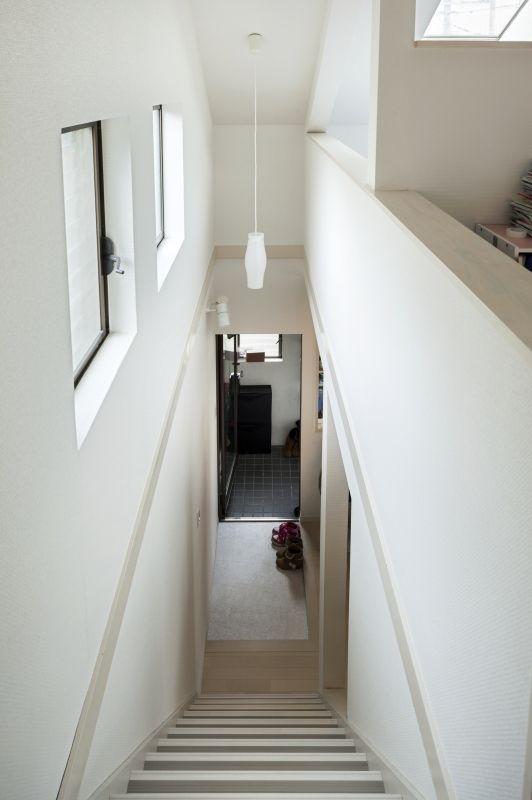 No.64 30代/4人暮らしの写真 階段2