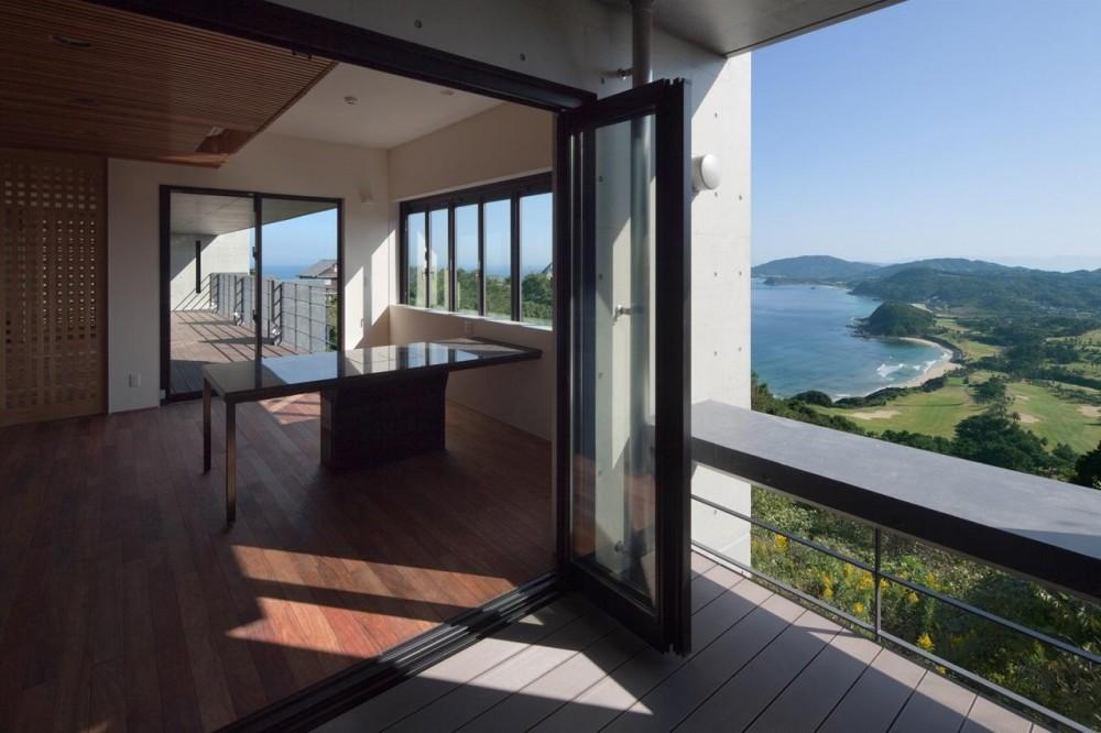 2012 YMP (テラスからダイニングキッチンを眺める)