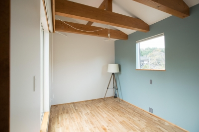 寝室1 (西山の住まい_土間床のある暮らし)