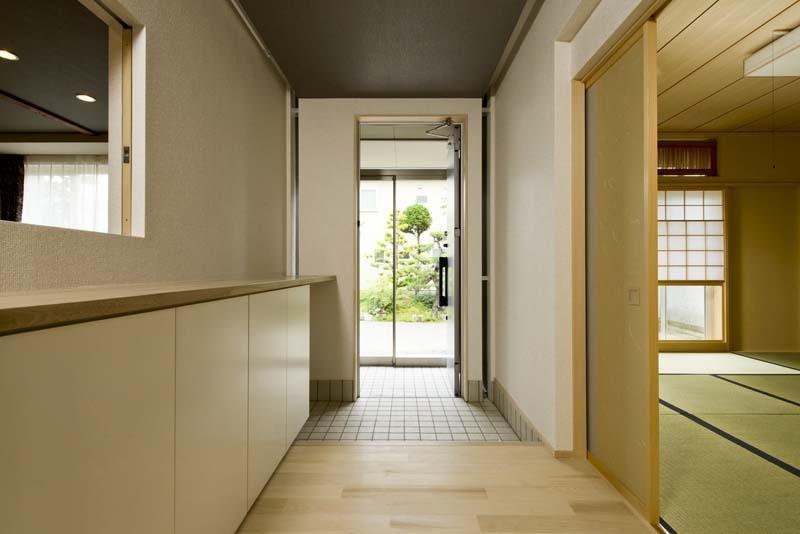 高野の家の部屋 玄関