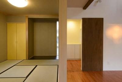 和室と繋がりのあるリビング (田向の家)