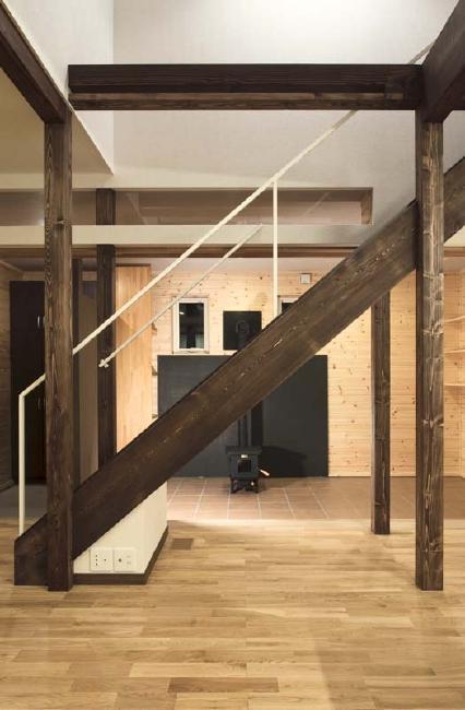 ドッグリビングのある家の部屋 リビング階段