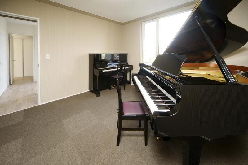 ピアノのある家の部屋 ピアノ室