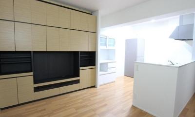 ロフトで生活スペースを確保するマンション (キッチン)
