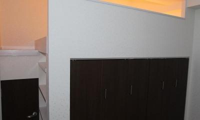 ロフトで生活スペースを確保するマンション (収納)