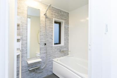 浴室 (なぜか落ち着く。「大人空間」。)