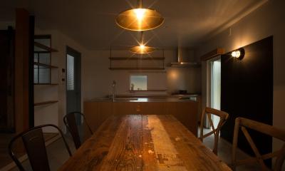 ダイニングキッチン3|LDKが半分土間空間のお家_西山の住まい