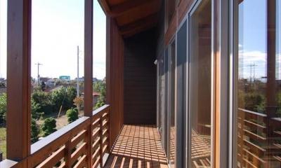 曲沢の家 (木製ベランダ)