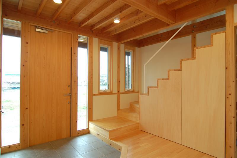 曲沢の家の部屋 玄関・階段