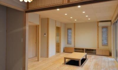 新井町の家 (琉球畳を敷いた和室と掘り炬燵のある部屋)