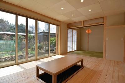 和室と掘り炬燵のある部屋 (新井町の家)