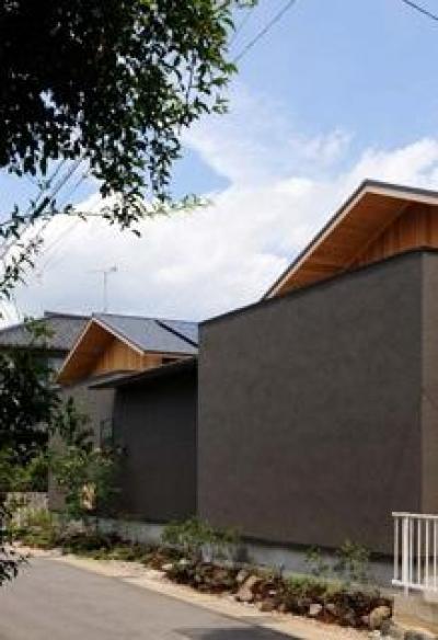 桃李の家 (プライベートが守られている外観)