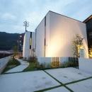 Mハウス 施工例1の写真 白いキューブ型の外観