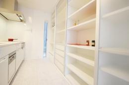 Mハウス 施工例1 (収納たっぷりのキッチン)
