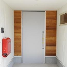 Mハウス 施工例2 (ツーロックタイプのおしゃれな玄関ドア)