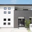 Mハウス 施工例3の写真 白と黒を基調とした外観