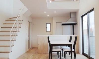 Mハウス 施工例4 (吹き抜けのダイニングキッチン)