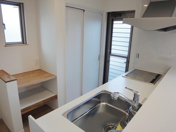 Mハウス 施工例4の部屋 勝手口のあるキッチン