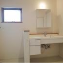 Mハウス 施工例4の写真 明るい洗面所