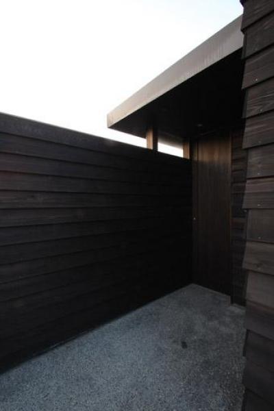 玄関ポーチ (東雲の家)