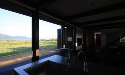 東雲の家 (キッチンからの眺め)