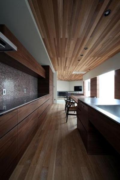 矢絣の家 (キッチンと繋がるダイニング)