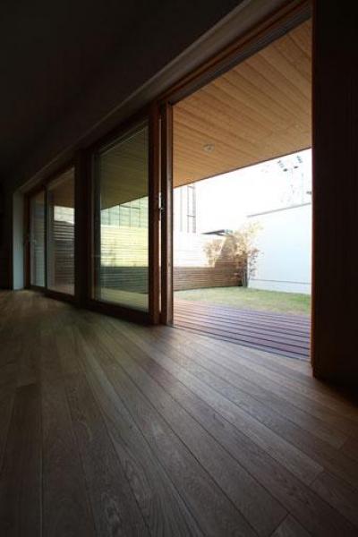 紬の家 (ウッドデッキとの繋がり)
