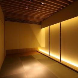 瀬石の家~落ち着きのあるLDK~ (黒い琉球畳を敷いた和モダン空間)