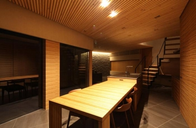 瀬石の家~落ち着きのあるLDK~ (アイランドキッチンと横に繋がるダイニング)