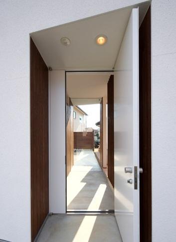 鈴鹿の家Ⅰの部屋 玄関からのアプローチ