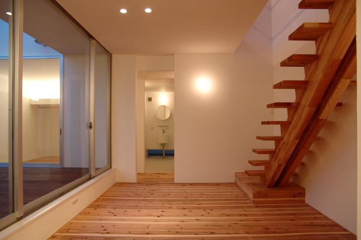 鈴鹿の家Ⅰの部屋 こだわりの木製階段
