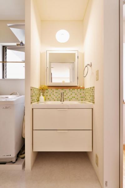 洗面所 (T邸・「自分のことは自分でできる子ども」を育てる工夫が満載)