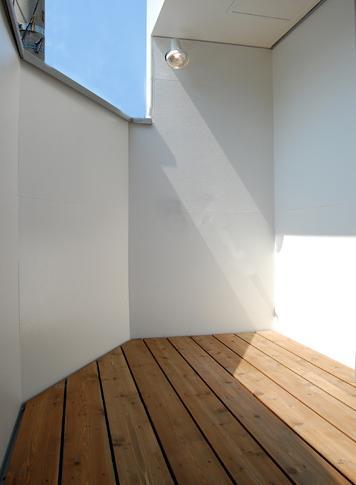 東住吉の家Ⅰ (開放的なバルコニー)