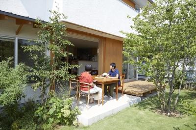 土間テラス (山崎の住宅)