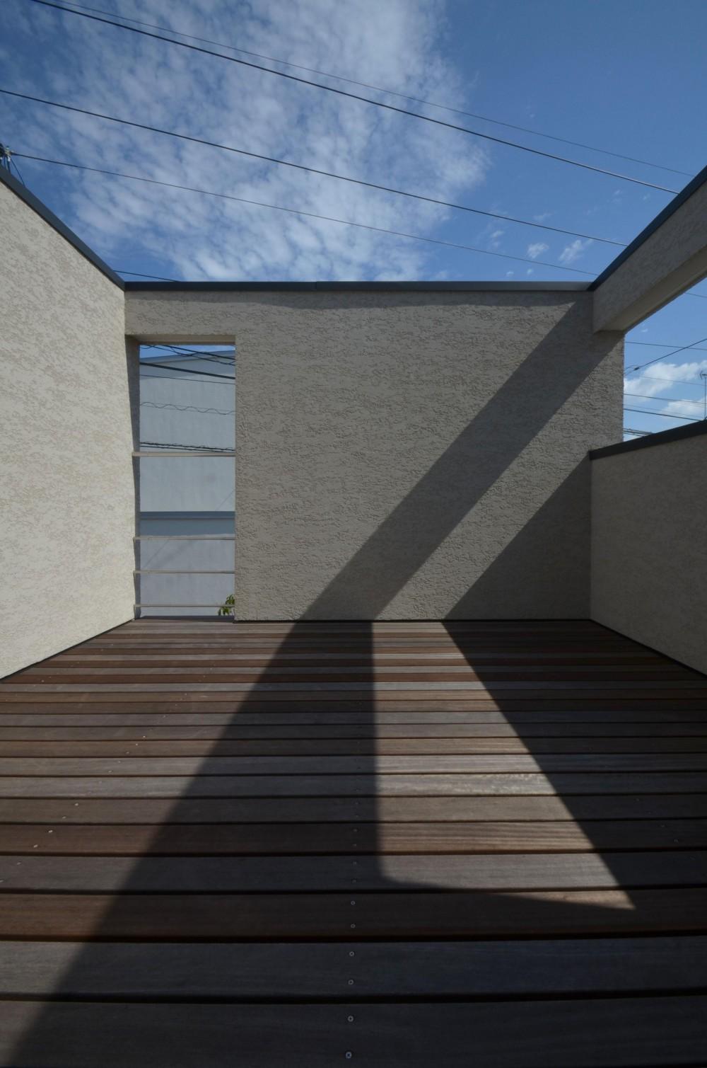 中村プロジェクト-注文住宅同様に丁寧につくりあげた5棟の建売住宅- (B棟デッキ)