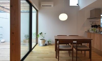 下連雀Y邸-L・D・K・中庭の関係性がつくりだす心地よい空間-