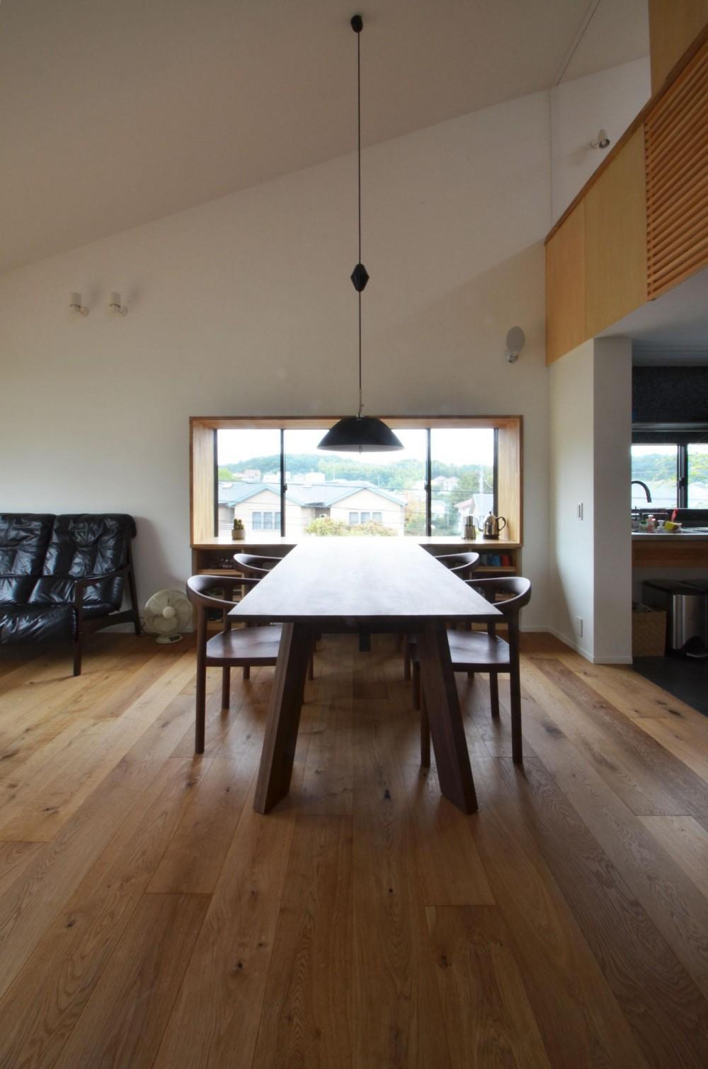 建築家:遠藤誠「元石川町M邸-おおらかな片流れ屋根の下から望む眺めの家-」