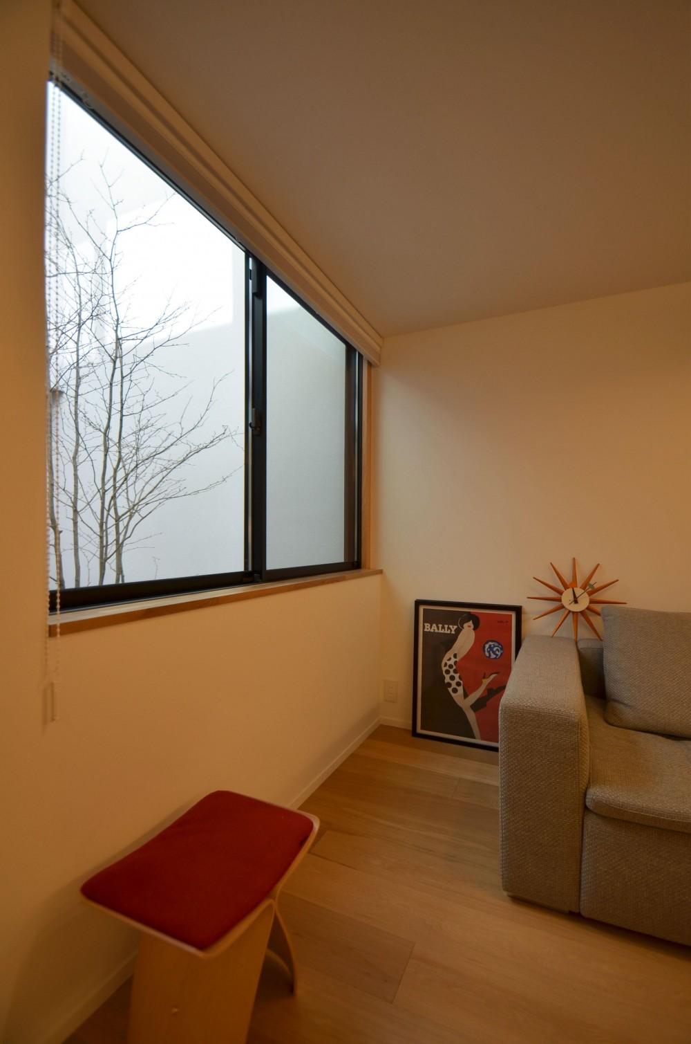 桃井M邸-中庭を中心としたコの字配置の立体コートハウス- (寝室)